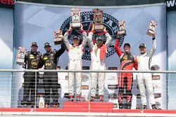 PC Podium: race winners #8 Starworks Motorsports ORECA FLM09: Renger van der Zande, Alex Popow, seco