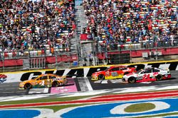 Kevin Harvick, Stewart-Haas Racing, Chevrolet; Alex Bowman, Hendrick Motorsports, Chevrolet; Chase E