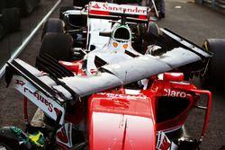 Le nez endommagé de Sebastian Vettel, Ferrari SF16-H