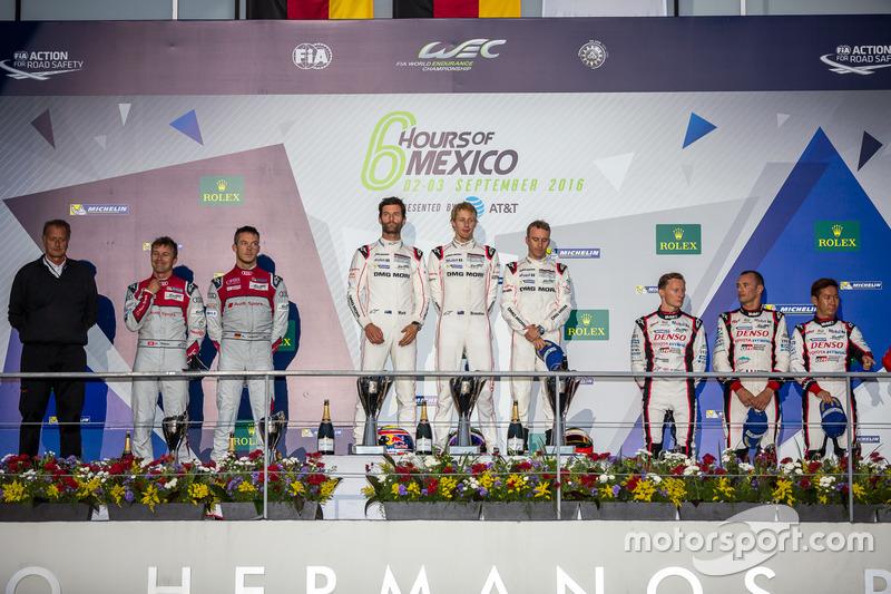 LMP1 podium: 1st place #1 Porsche Team Porsche 919 Hybrid: Timo Bernhard, Mark Webber, Brendon Hartl