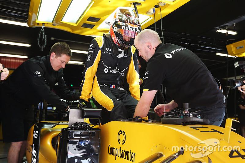 Esteban Ocon, Renault Sport F1 Team, durante la PL1 del GP de España