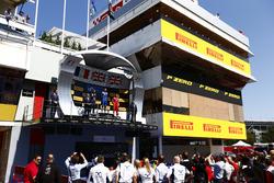 Алекс Линн, DAMS, Пьер Гасли, Prema Racing и Джордан Кинг, Racing Engineering на подиуме