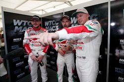 Norbert Michelisz, Honda Racing Team JAS, Honda Civic WTCC; Tiago Monteiro, Honda Racing Team JAS, Honda Civic WTCC; Rob Huff, Honda Racing Team JAS, Honda Civic WTCC