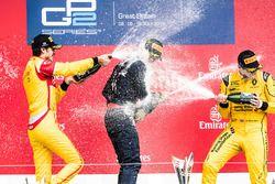 Podio: Ganador de la carrera Pierre Gasly, segundo lugar Antonio Giovinazzi y el tercer lugar Oliver
