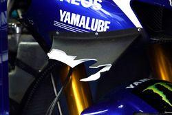 Broken wing on the bike of Jorge Lorenzo, Yamaha Factory Racing