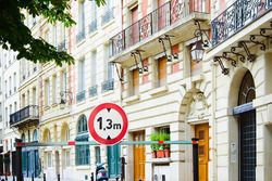 sbarra stradale a 130 cm, ePrix di Parigi