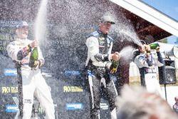 Podium: winnaar Johan Kristoffersson, PSRX Volkswagen Sweden, nummer twee Andreas Bakkerud, EKS Audi Sport, nummer drie Mattias Ekström, EKS Audi Sport