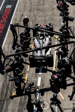 Kevin Magnussen, Haas F1 Team VF-18, leaves his pit box after a stop