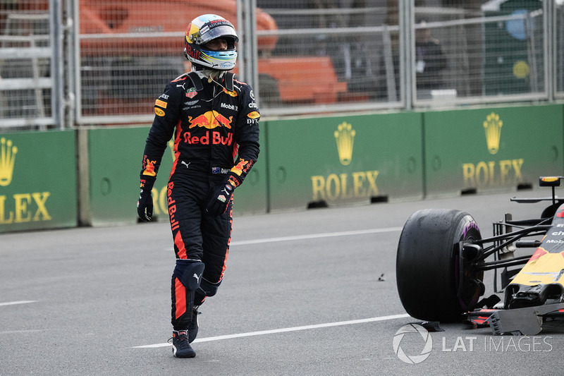 Daniel Ricciardo, Red Bull Racing si ritira dalla gara