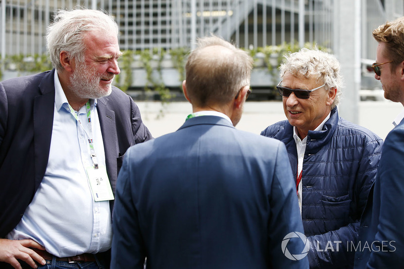Lars Seier Christensen, CEO, Seier Capital y Hermann Tilke en el paddock