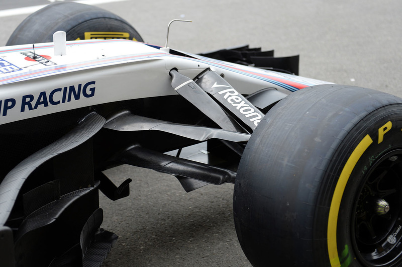 Williams FW41 front suspension detail