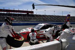 Brad Keselowski, Team Penske, Ford Fusion Wurth pits