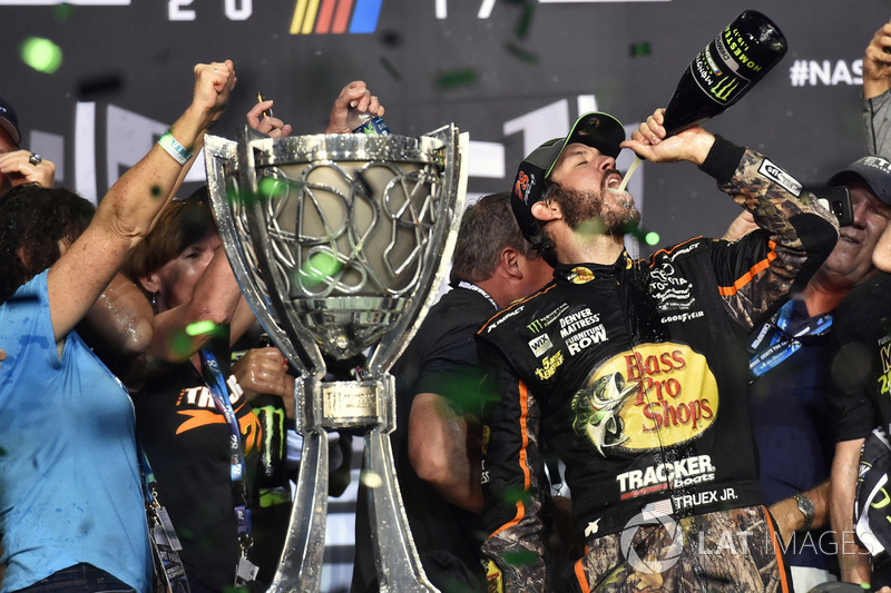 2017: Martin Truex Jr., Furniture Row Racing Toyota