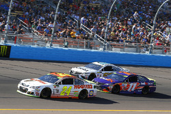 Chase Elliott, Hendrick Motorsports Chevrolet, Denny Hamlin, Joe Gibbs Racing Toyota, David Starr, M