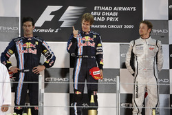Podio: segundo lugar Mark Webber, Red Bull Racing, ganador de la carrera Sebastian Vettel, Red Bull