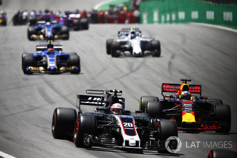 Kevin Magnussen, Haas F1 Team VF-17, Daniel Ricciardo, Red Bull Racing RB13, Pascal Wehrlein, Sauber