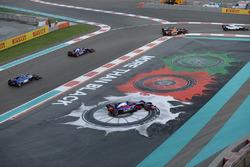 Brendon Hartley, Scuderia Toro Rosso STR12 sort large