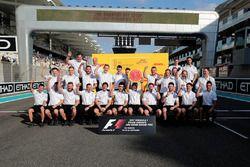 Команда Mercedes AMG F1