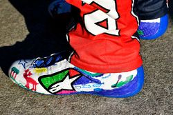 Alex Bowman, Hendrick Motorsports Chevrolet Camaro shoes