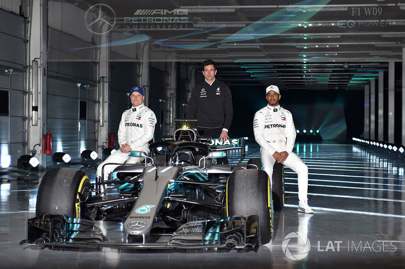 Valtteri Bottas, Lewis Hamilton, en Toto Wolff