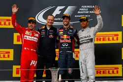 Podium: second place Fernando Alonso, Ferrari, Paul Monaghan, Red Bull Racing Chief Engineer, Race winner Daniel Ricciardo, Red Bull Racing, third place Lewis Hamilton, Mercedes AMG F1