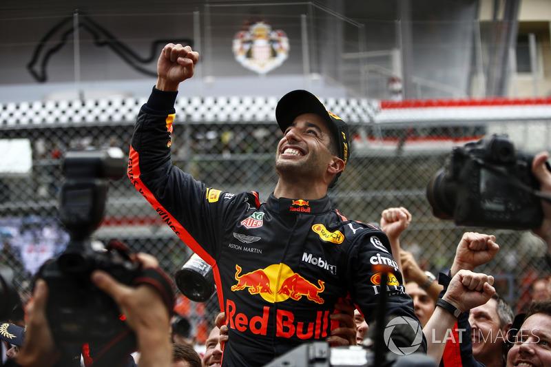 Daniel Ricciardo, Red Bull Racing, celebra su victoria