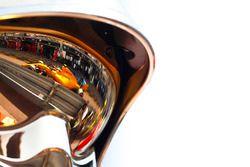 Stoffel Vandoorne, McLaren MCL33, como se ve en el reflejo de un casco de oficiales