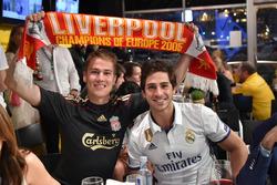 Fans viendo la final de la Champions League