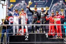 Podio AM: i vincitori della gara #39 TP 12 - Kessel Racing Ferrari 488 GT3: Piti Bhirombhakdi, Carlo Van Dam, al secondo posto #26 Sainteloc Racing Audi R8 LMS: Nyls Stievenart, Markus Winkelhock, al terzo posto #11 Kessel Racing Ferrari 488 GT3: Michael Broniszewski, Giacomo Piccini