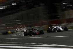 Kevin Magnussen, Haas F1 Team VF-18 et Marcus Ericsson, Sauber C37
