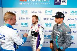Felix Rosenqvist, Mahindra Racing, shakes hands with Sam Bird, DS Virgin Racing, Mitch Evans, Jaguar Racing