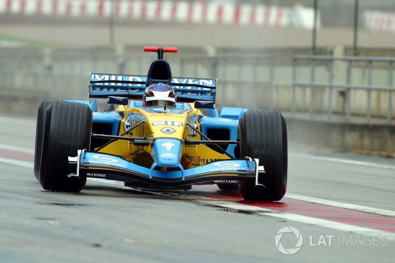 Heikki Kovalainen vuelve después de su prueba en el Renault RS23