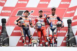 Podium: ganador, Andrea Dovizioso, Ducati Team, segundo, Marc Marquez, Repsol Honda Team, tercero, D