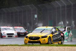 Tim Slade, Brad Jones Racing Holden, leads Mark Winterbottom, Tickford Racing Ford