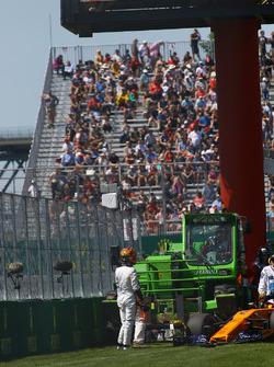 Stoffel Vandoorne, McLaren après avoir touché le mur