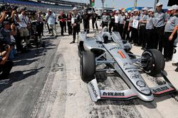 Josef Newgarden, Team Penske Chevrolet viert de Verizon P1 Pole Award