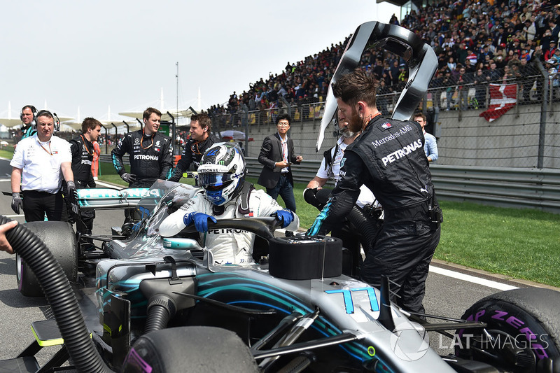 Valtteri Bottas, Mercedes-AMG F1 W09 EQ Power on the grid
