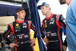 Гонщики Hyundai Motorsport Дани Сордо и Тьерри Невилль