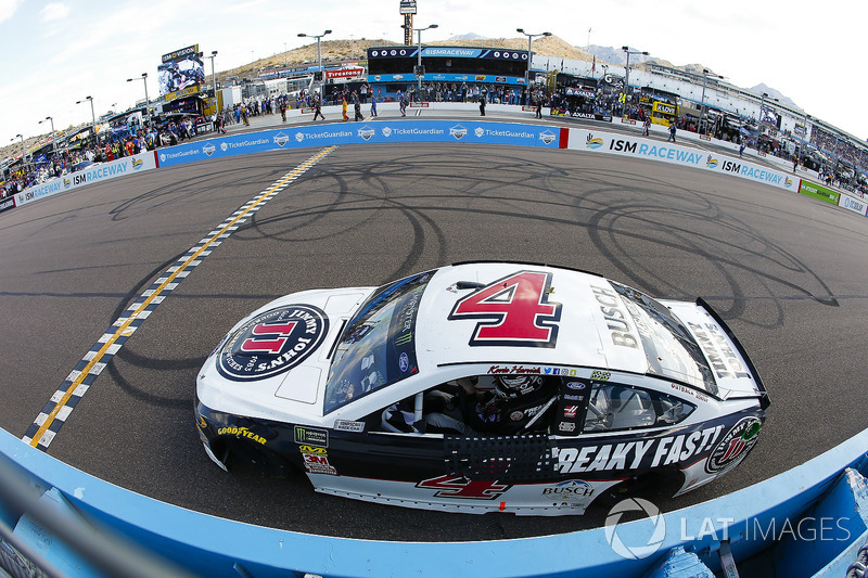 Kevin Harvick, Stewart-Haas Racing, Ford Fusion Jimmy John's celebrates