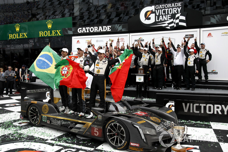 Victory lane: Winners #5 Action Express Racing Cadillac DPi: Joao Barbosa, Filipe Albuquerque, Christian Fittipaldi