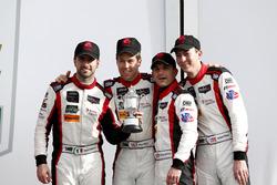 Victory lane, terzo posto GTD: #48 Paul Miller Racing Lamborghini Huracan GT3: Madison Snow, Bryan S