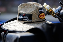 Noah Gragson, Kyle Busch Motorsports, Toyota Tundra Safelite AutoGlass hat