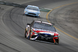 Kyle Busch, Joe Gibbs Racing, Toyota Camry Snickers Intense and Kevin Harvick, Stewart-Haas Racing, Ford Fusion Busch Light