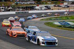 Alex Bowman, Hendrick Motorsports, Chevrolet Camaro Nationwide e Daniel Suarez, Joe Gibbs Racing, Toyota Camry ARRIS