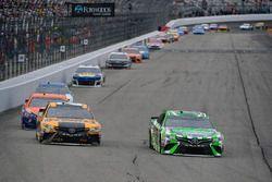 Kyle Busch, Joe Gibbs Racing, Toyota Camry Interstate Batteries, Erik Jones, Joe Gibbs Racing, Toyota Camry DeWalt