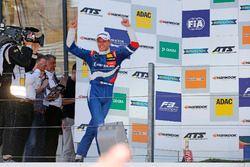 Podium: Race winner Nikita Troitskiy, Carlin Dallara F317 - Volkswagen