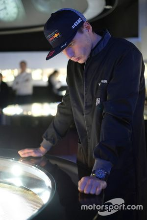 Max Verstappen visits the TAG Heuer manufacture to launch the production of his own TAG Heuer special edition