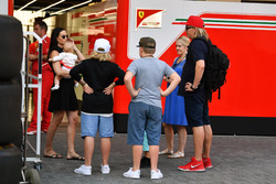 Minttu Virtanen, femme de Kimi Raikkonen, Ferrari avec leur fille Rianna Raikkonen et la famille