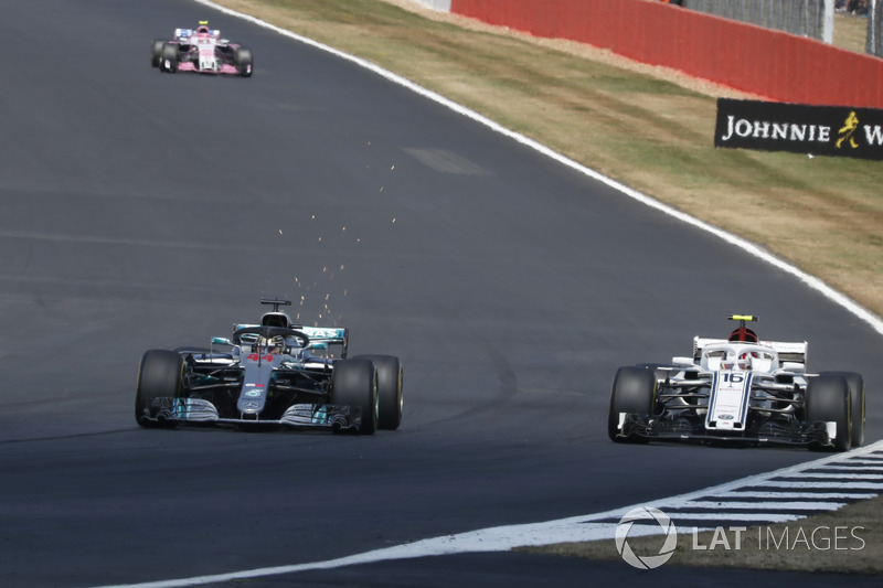 Lewis Hamilton, Mercedes-AMG F1 W09, Charles Leclerc, Sauber C37