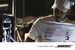 Lewis Hamilton filmando un comercial de Bose
